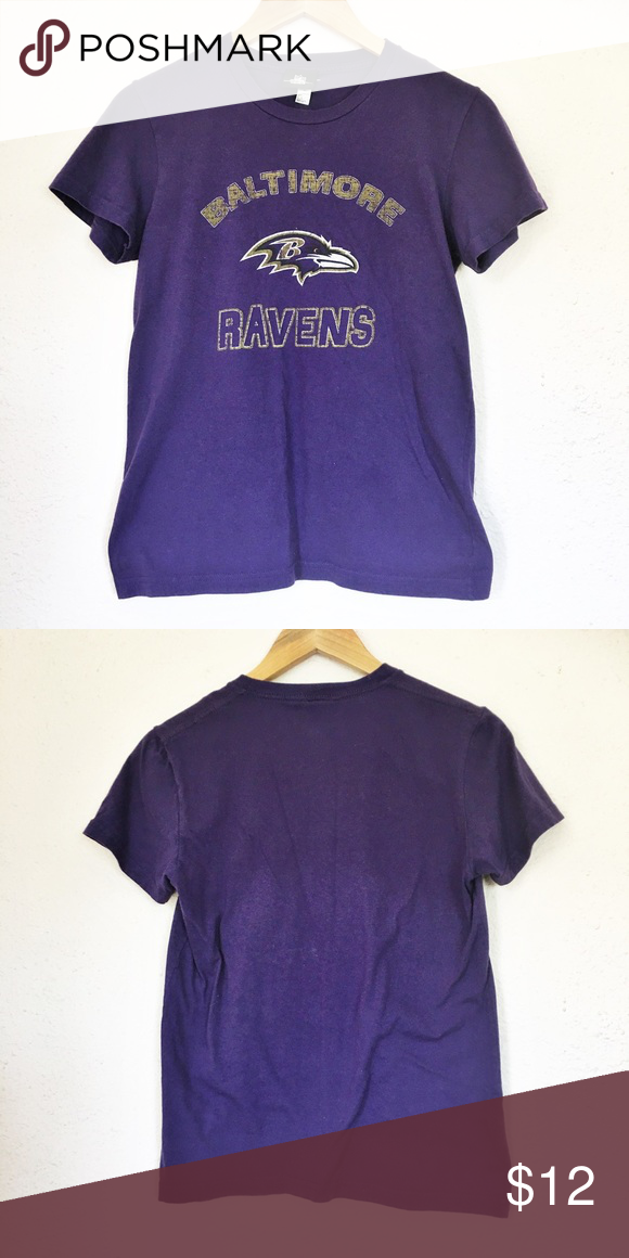 """Baltimore Ravens T-Shirt Baltimore Ravens t-shirt in good condition. Measurements laid flat: bust 18"""" and length 24"""". NFL Team Apparel Tops Tees - Short Sleeve"""