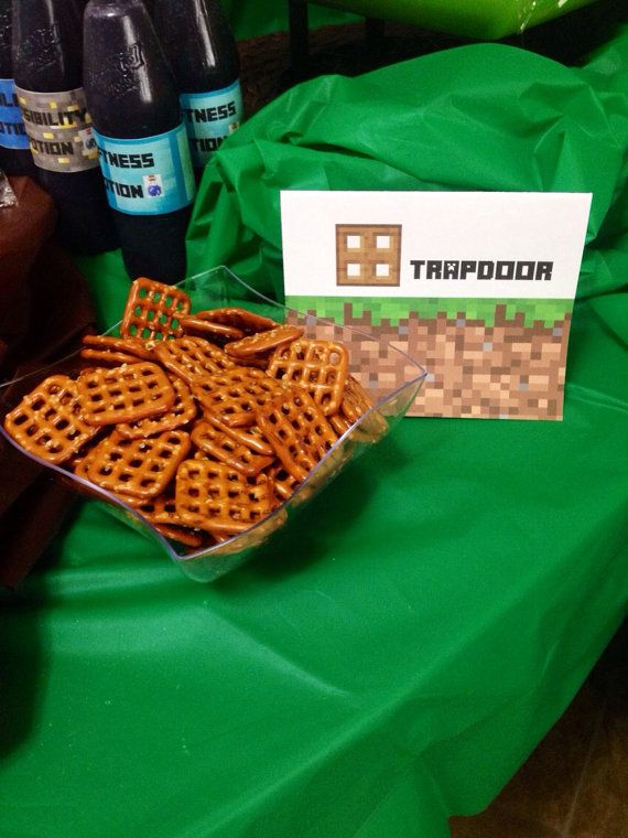 Minecraft party 16 diy sign tent cards pdf instant download set minecraft party food ideas pretzel squares as trapdoors forumfinder Gallery