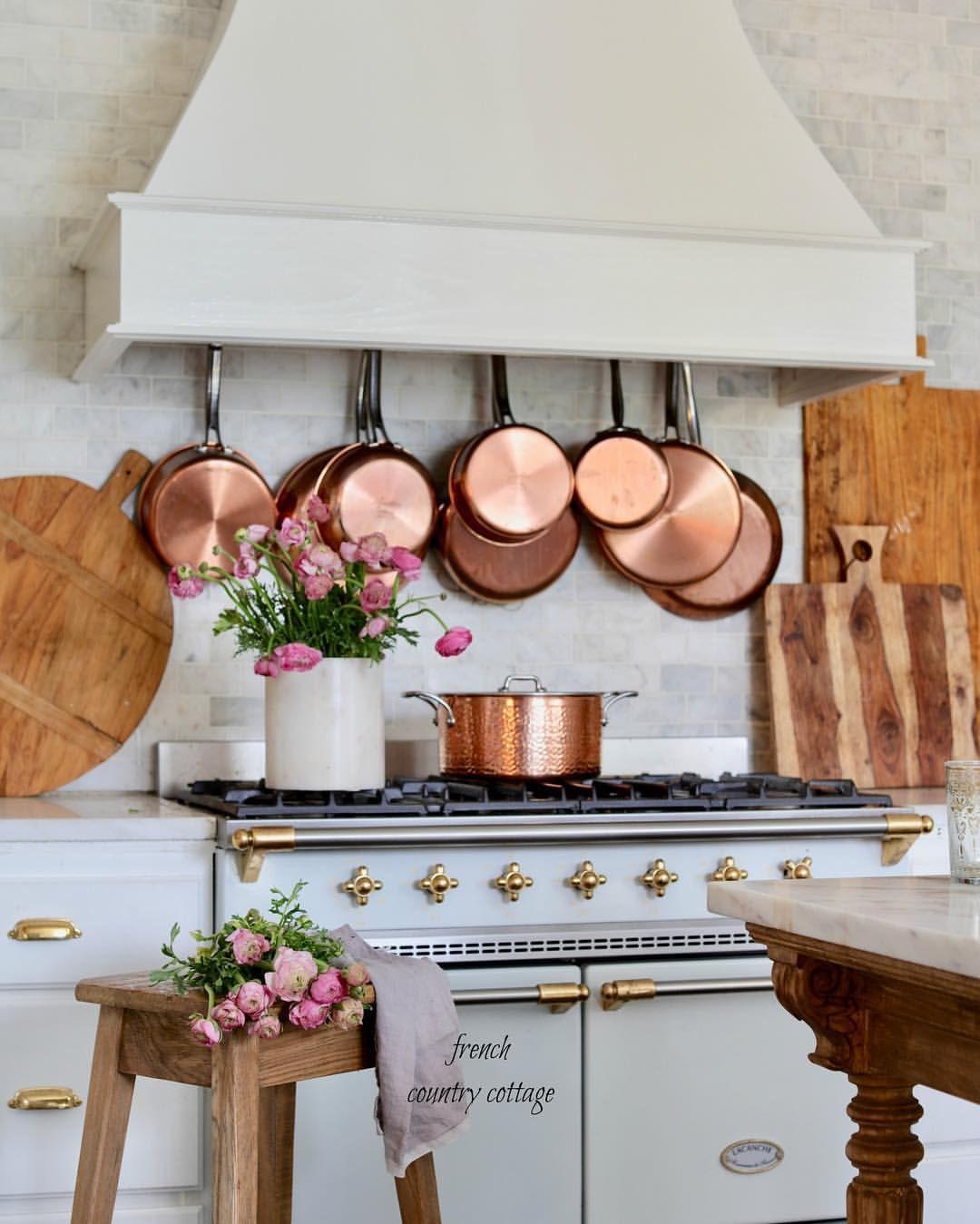 Gli accessori shabby chic in rame per la cucina sono ...