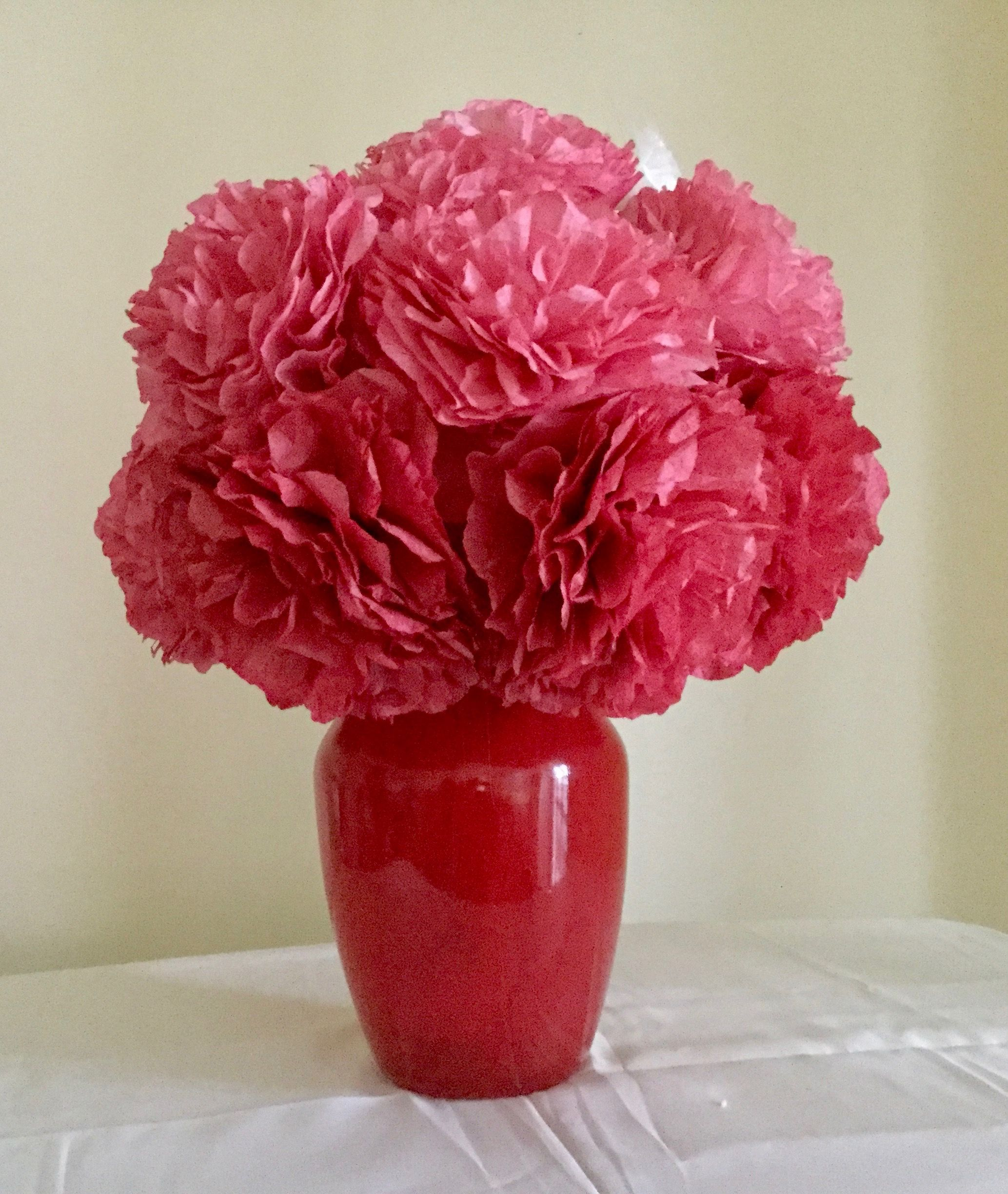 Ombre Red Carnations With A Monochrome Vase Red Carnation Flower Arrangements Carnations