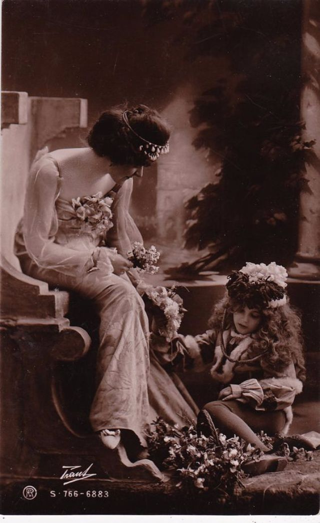 vintage everyday: Lovely Vintage Pictures of Mothers with Daughters from the late 19th to early 20th Centuries