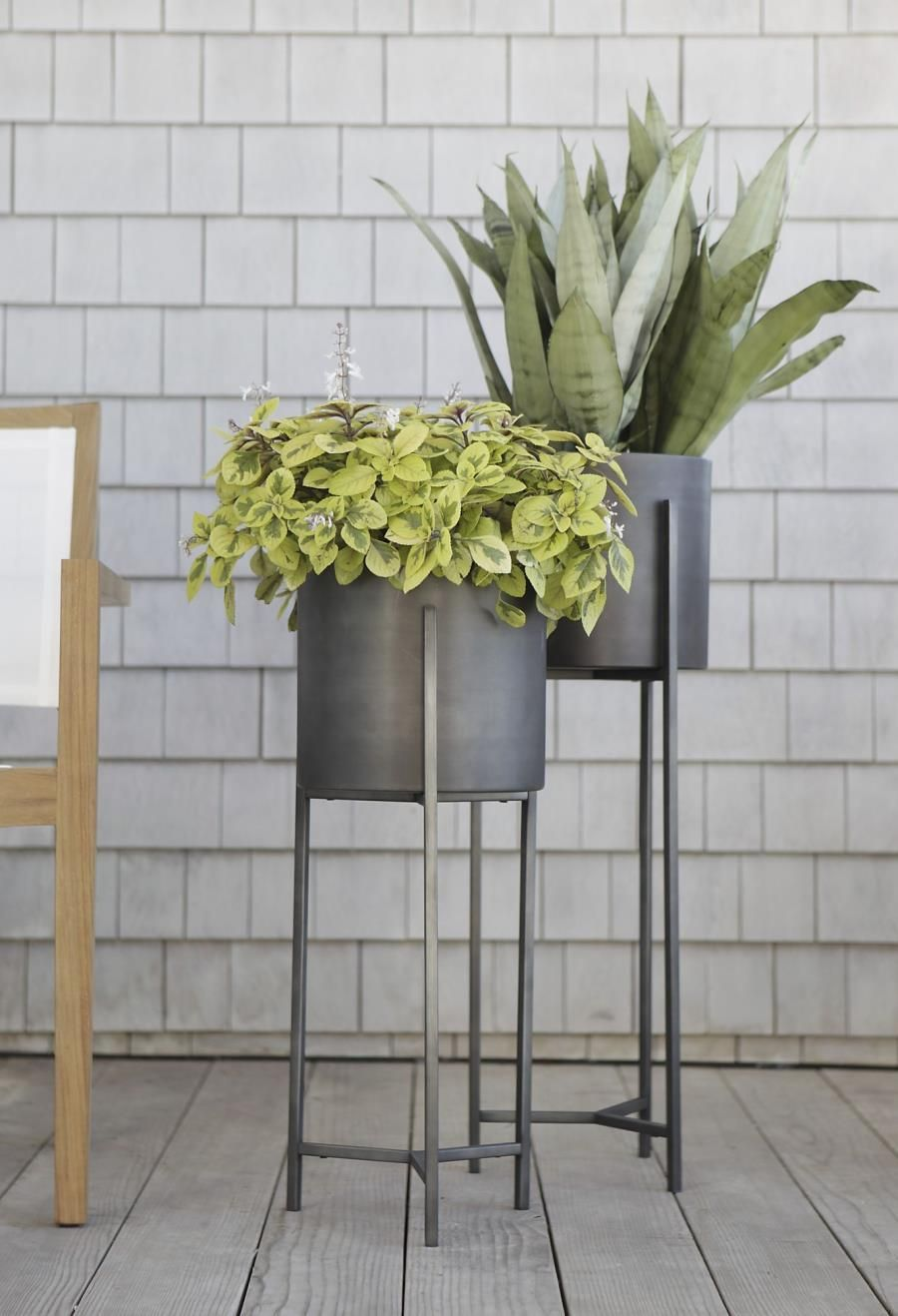 Sleek Modern Planters From Crate Barrel Decoist In 2020 Tall Plant Stands Plant Stand Indoor Modern Plant Stand