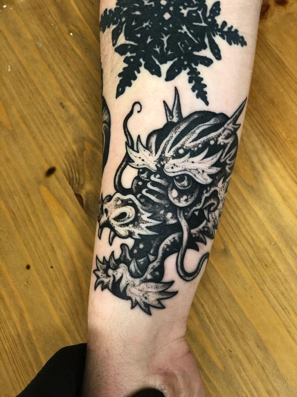 Pin oleh Koloni Tattoo Studio • Bali di All Black Tattoos