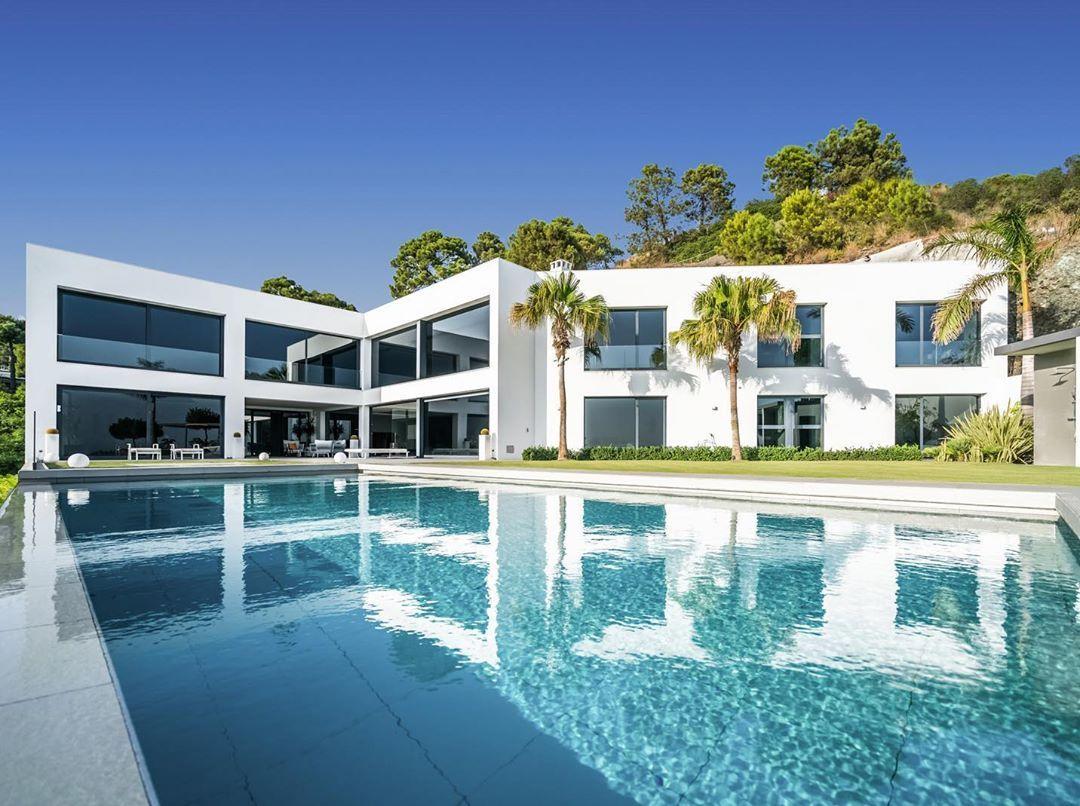 Luxury Villas Marbella On Instagram Brand New Contemporary Villa In La Reserva De Alcuzcuz Benahavís The Architecture Minimaliste Architecture Minimaliste