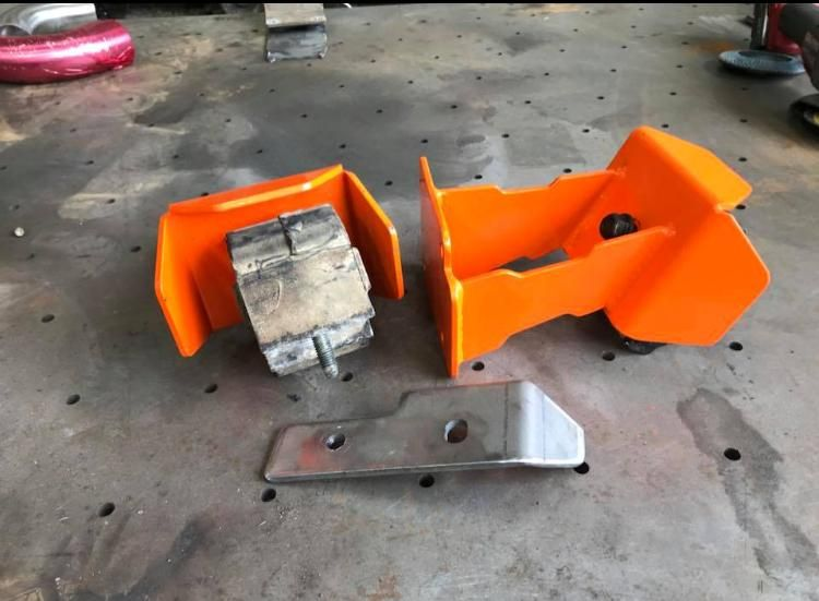 Engine Mounts to fit OM606 or OM605 Engine into Land Rover Vehicles