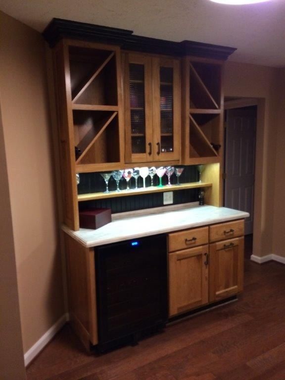 Wine Bar Waldorf Md Main Cabinetry Cord S Custom Hickory Tops Corian Sandalwood Kitchen And Bath Design Custom Cabinets Custom Kitchen