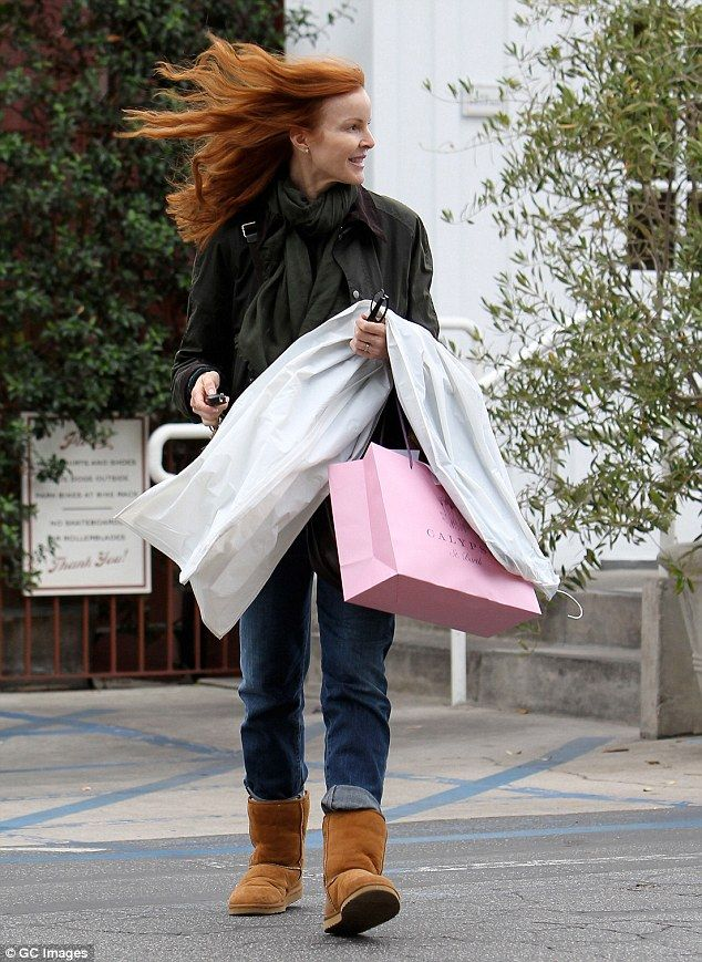 Blowin In The Wind Marcia Cross S Hair Gets Caught In A Wind Gust As She Shops In Los Angeles On Friday Ugg Boots Uggs Shopping