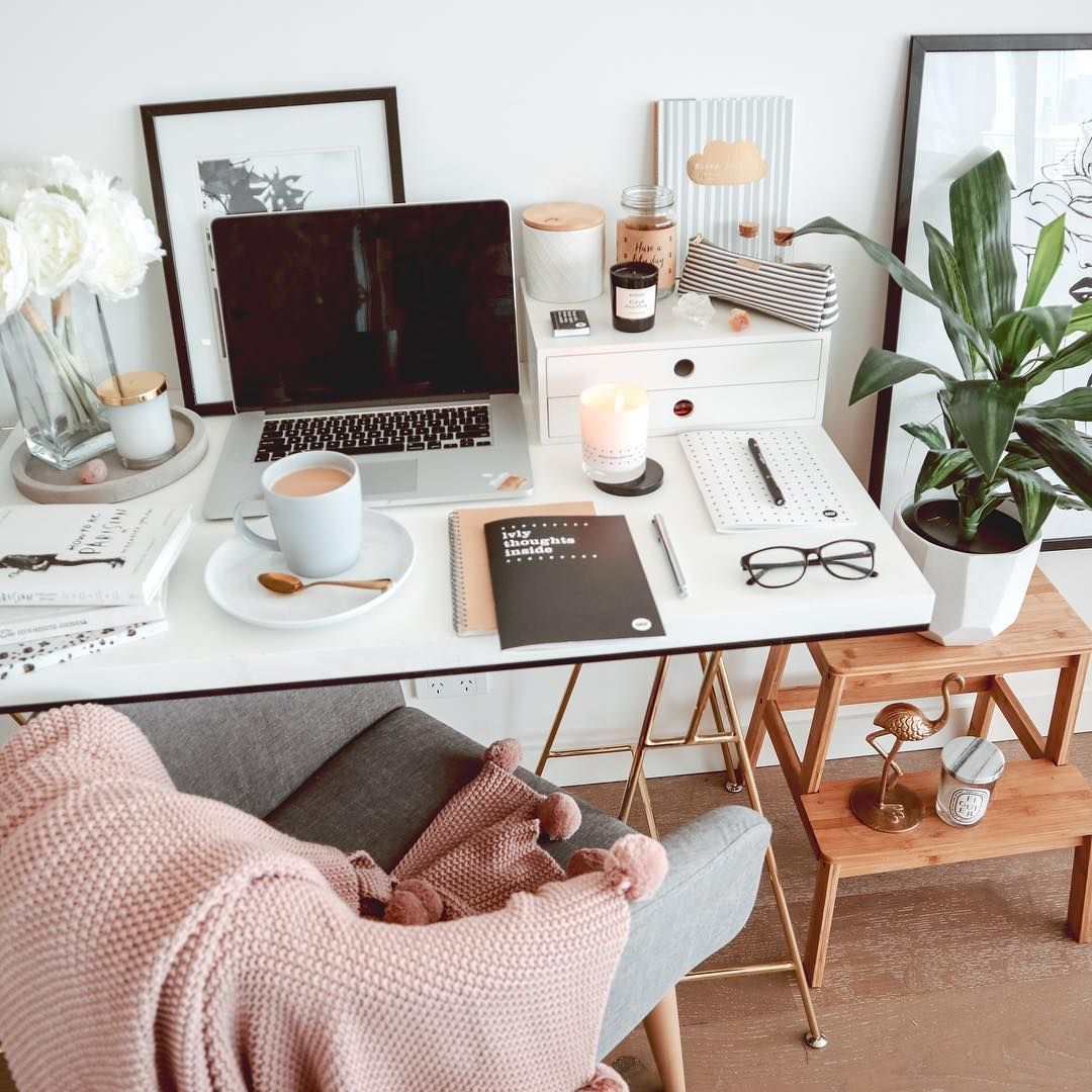 """Rachel-Lee on Instagram: """"Productive start to the week ???????? how is your week tracking? I'm still trying to decide how I'll style up my desk properly for the new year!…"""" #homedecorapartment #homedecorideas"""