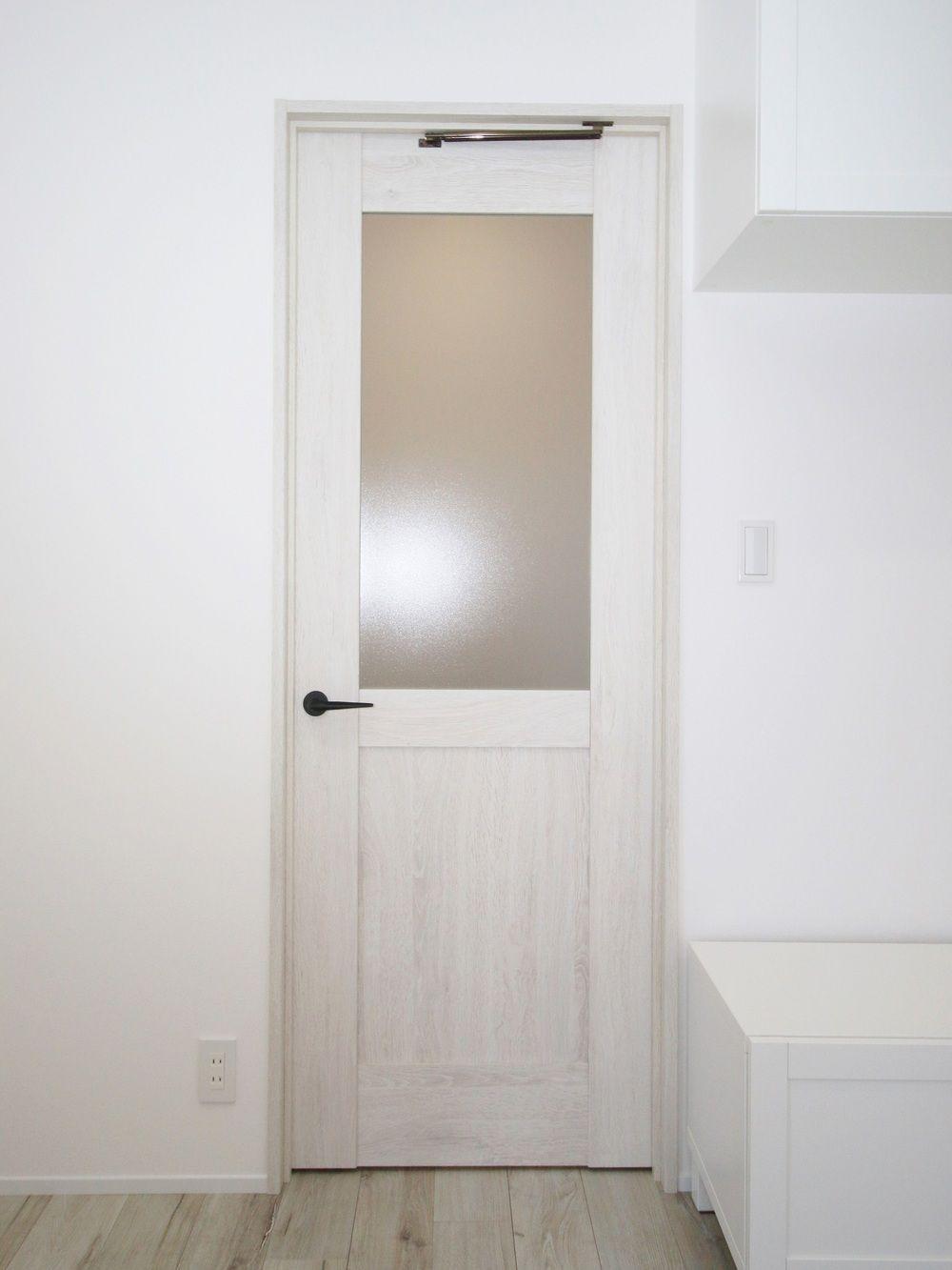 Panasonicのベリティス片開きlb型 ホワイトオーク柄 おしゃれ
