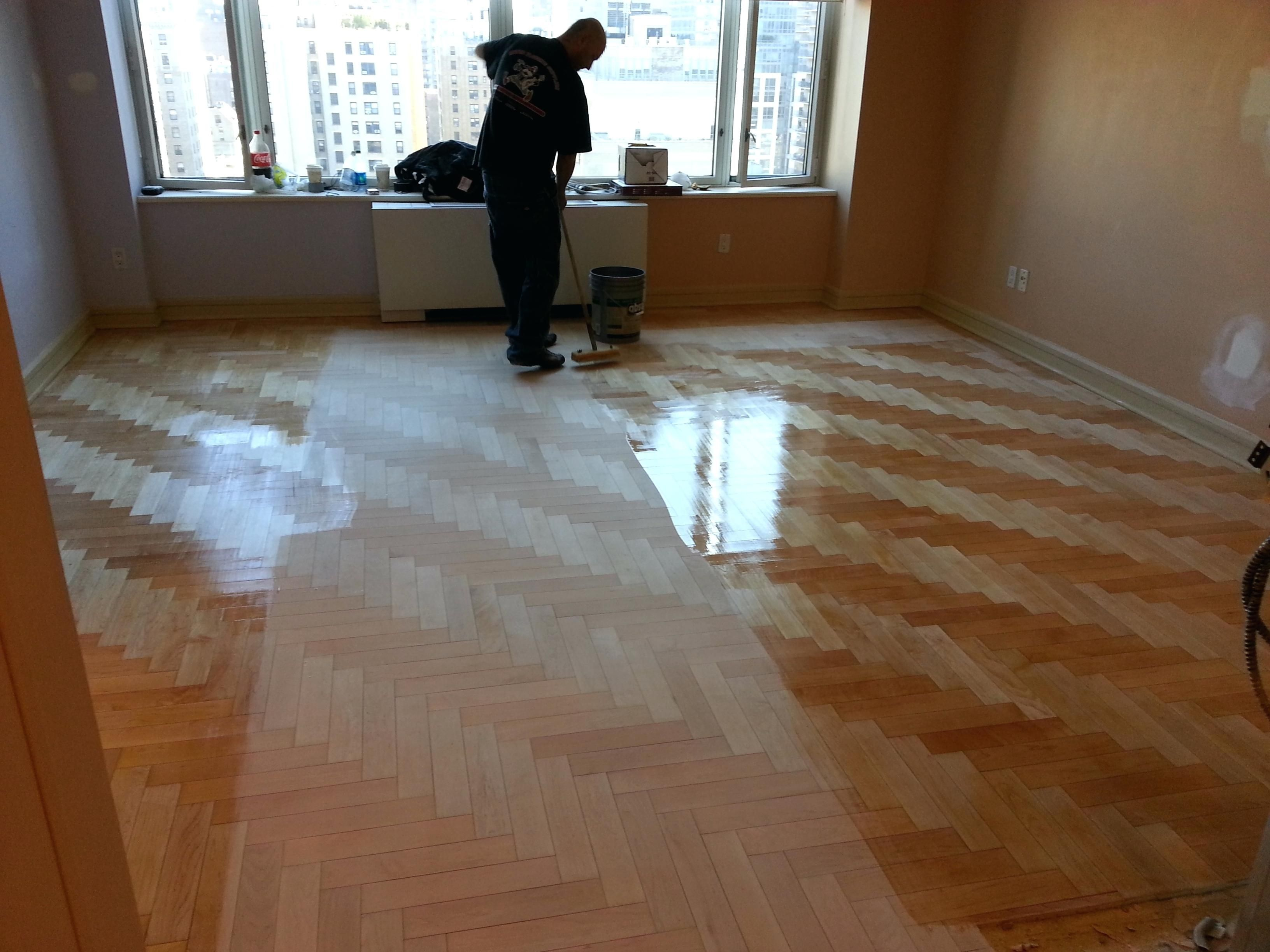 The Best Satin Or Semi Gloss Polyurethane For Hardwood Floors And Description Hardwood Floors Flooring Minwax Polyurethane
