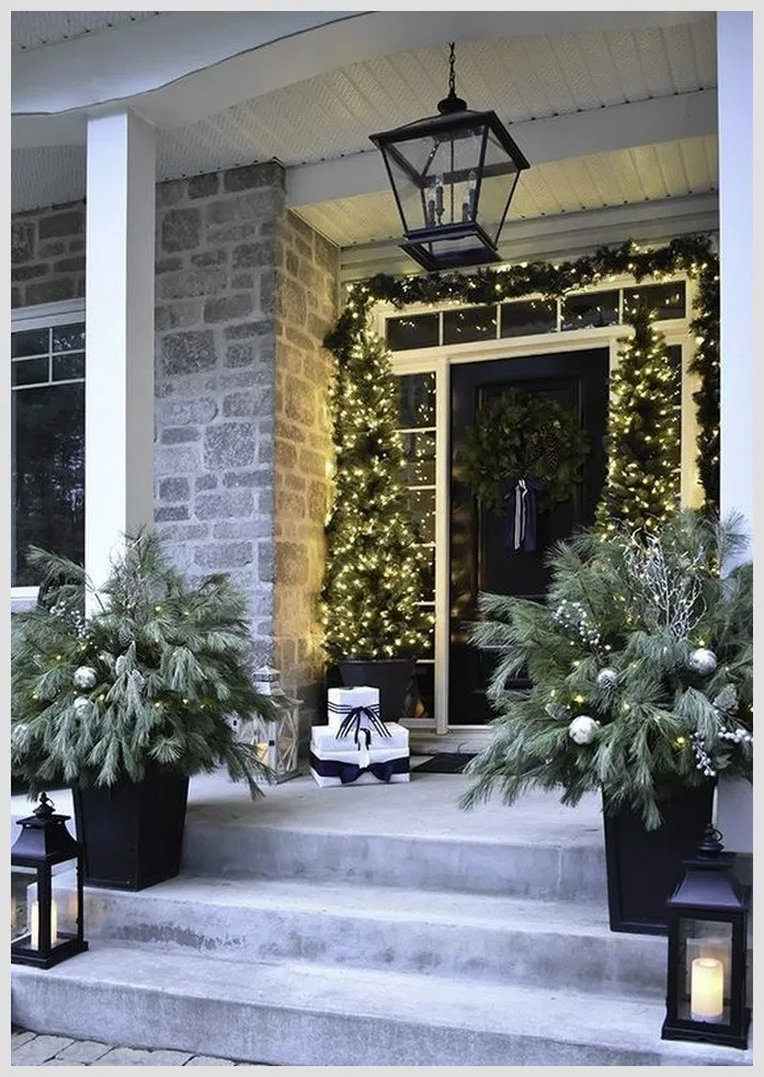 ❤30 Beautiful Winter Front Porch Design Ideas To Inspire You #winter #frontporch #porchdecor #winterdecor #christmasdecor #christmas | gaming.me #sideporch