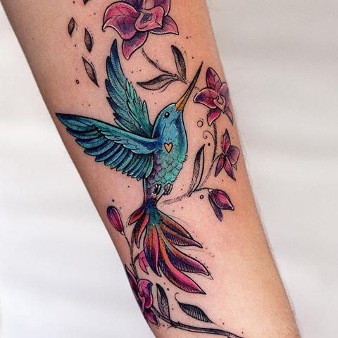 """Photo of   Robson Carvalho   on Instagram: """"Beijar-flor e Orquídeas tatuados na Prisci…"""