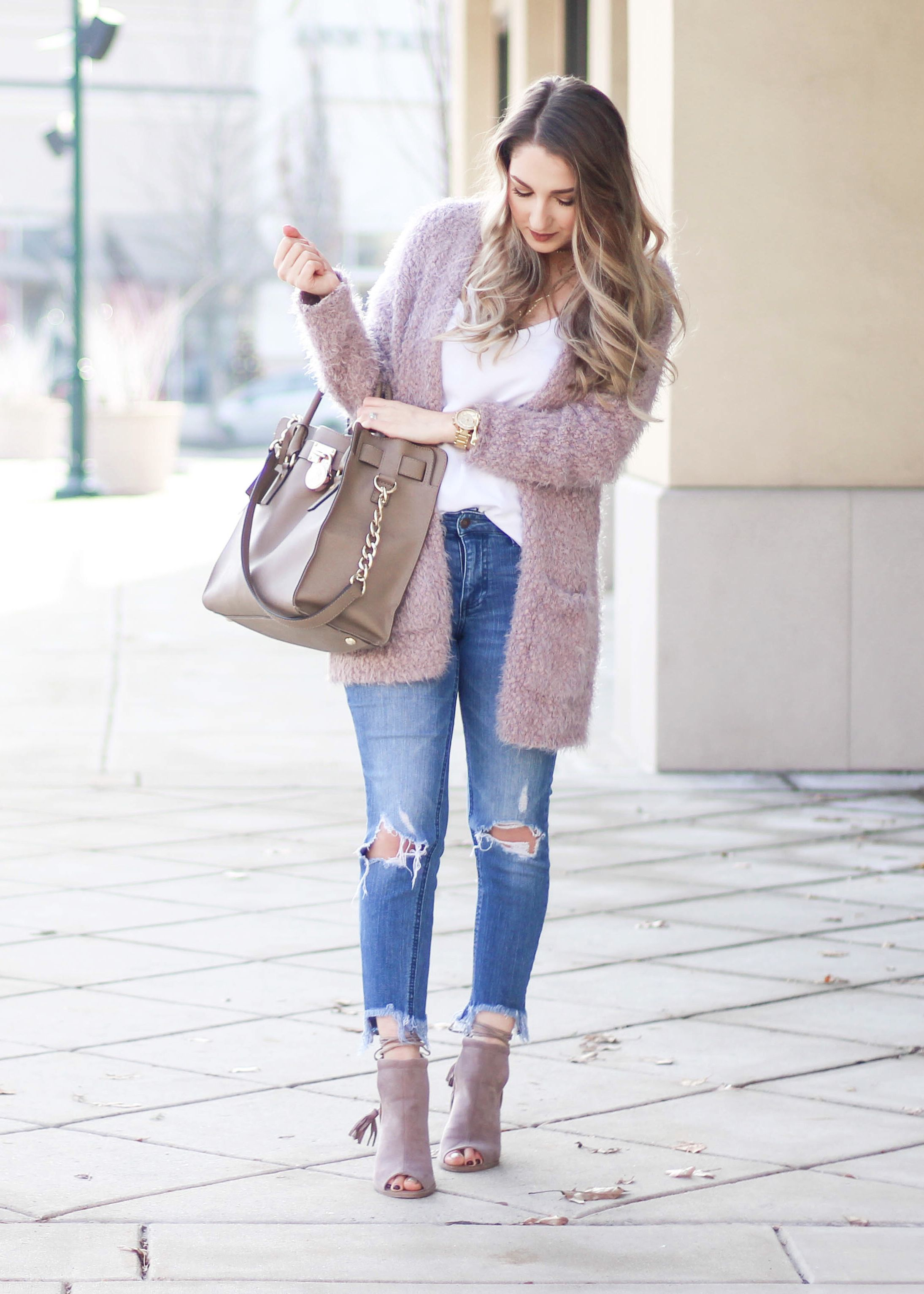 WHITE & BLUSH OUTFIT CRUSH | Spring outfits classy, Spring ...