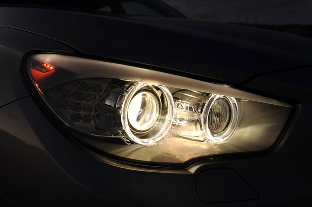 Bmw To Offer Laser Headlights Within Next Few Years Bmw Headlights Germany