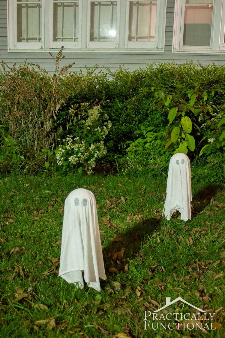 DIY Floating Halloween Ghosts For Your Yard Halloween yard - Halloween House Decorating Ideas Outside
