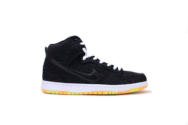 new styles 8ee3b dfd6b NIKE SB DUNK HIGH PRO SKUNK BLACK LASER ORANGE WHITE 305050 034