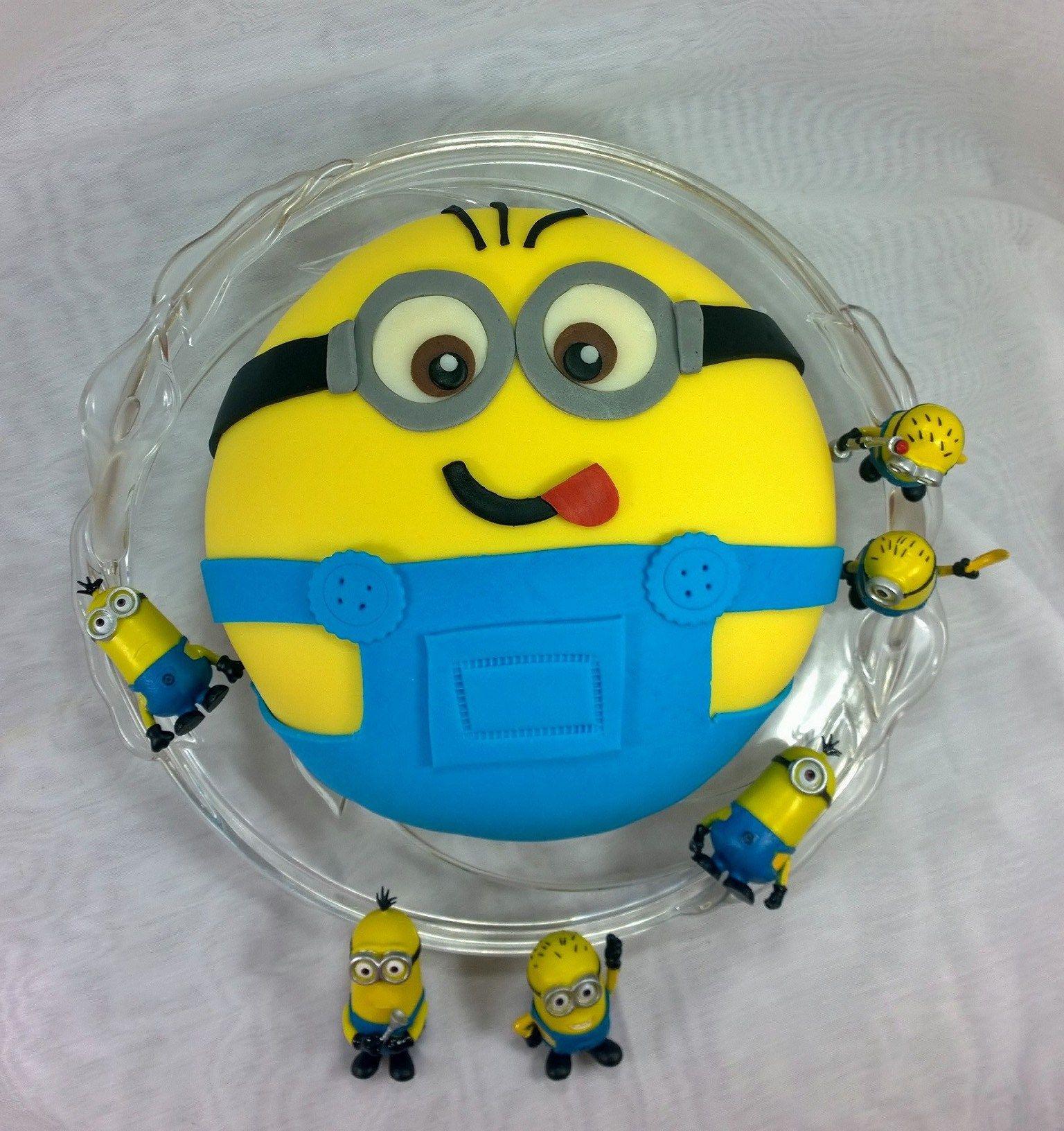 Kuchen dekorieren minions