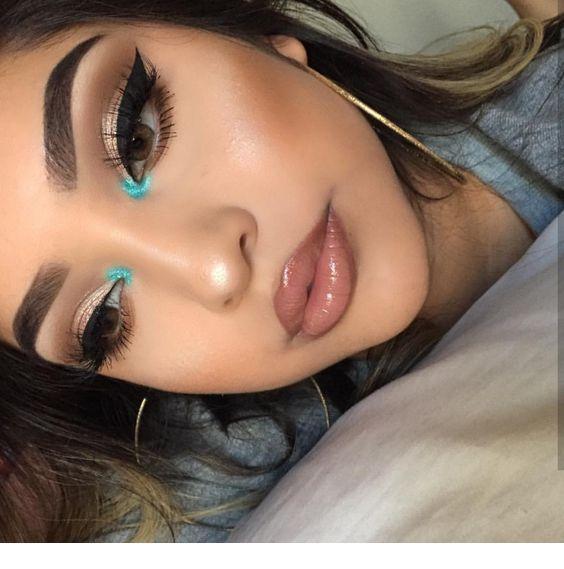 Just a little blue #glittereyeliner
