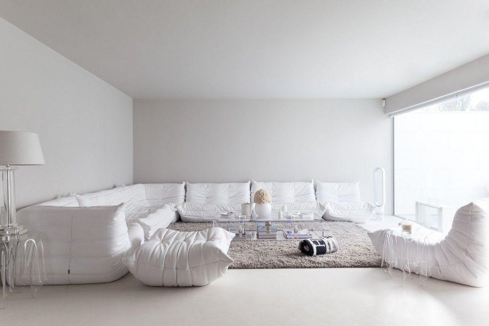 Zagalni Kimnati V Stili Modern Pofarbovani Biloyu Shovkovisto Matovoyu Farboyu White Interior White Living Room Living Room White