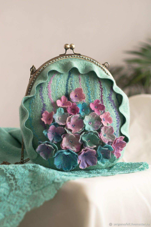 99b841af98c6 Женские сумки ручной работы. Ярмарка Мастеров - ручная работа. Купить  Валяная сумка мятная с цветами. Handmade. Цветочный
