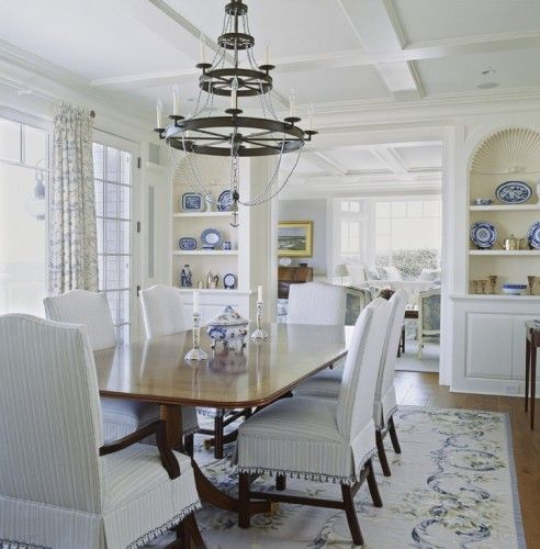 Casual Dining Rooms Decorating Ideas For A Soothing Interior: Cream And Blue Needlepoint Rug In Dining Room With