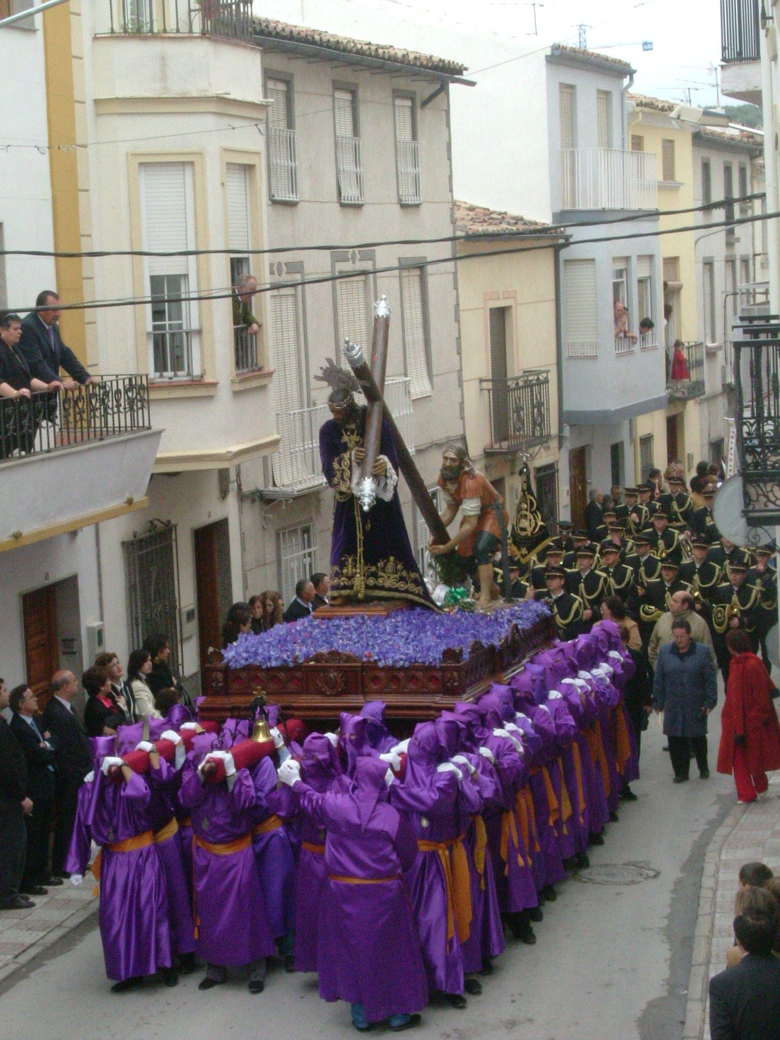desfile procesional de la cofradía de Jesús Nazareno de Martos