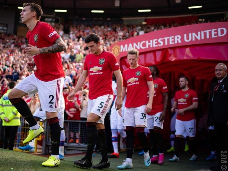 Former Manchester United Defender Clayton Blackmore Has Disclosed That La Galaxy Striker Zlatan Ibrahimovic Is The Only Player Capable The Unit Manchester United Manchester