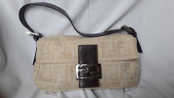 Fendi - handtas - No Minimum prijs Stof handtas van Fendi. Lederen handvat.  Uitstekende 518fbc87d2c