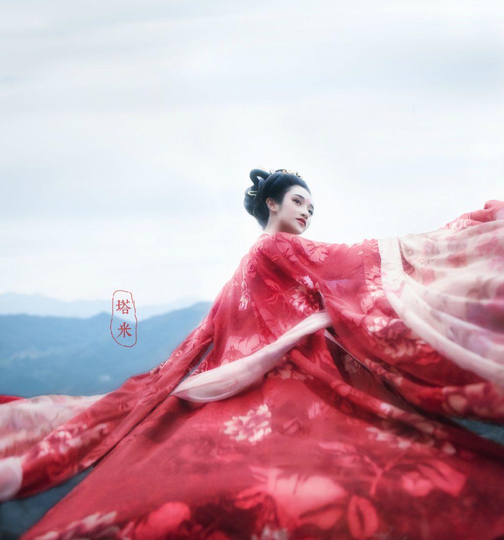 Traditional chinese hanfu (汉服)-长安月 (Artistic conception ...