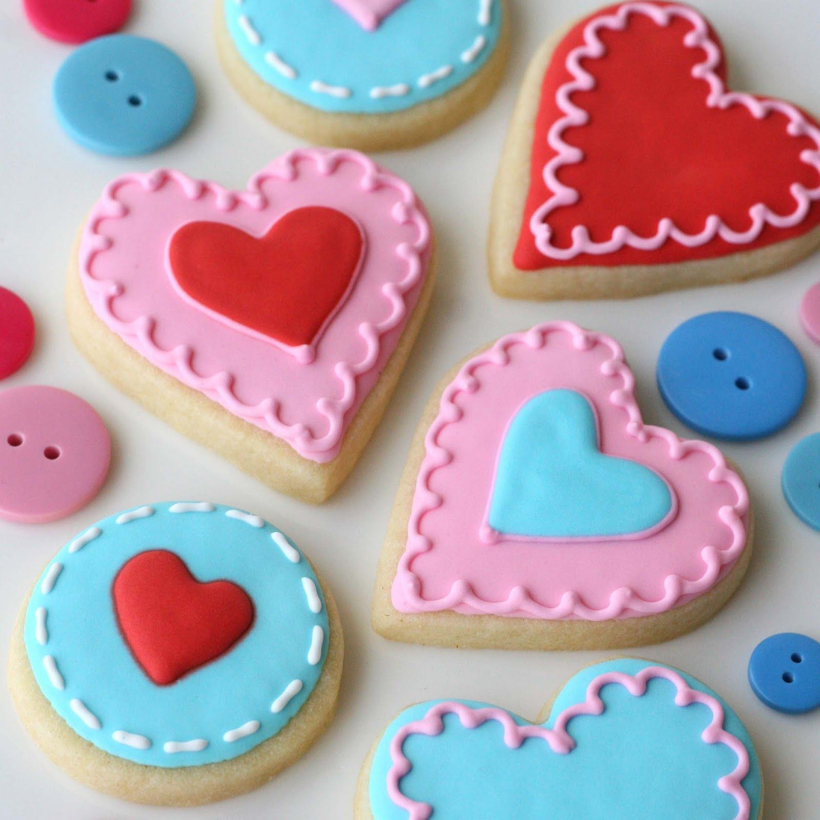 Decorated Valentine Cookies | Cute Valentine's Garland and Cookies » Glorious Treats