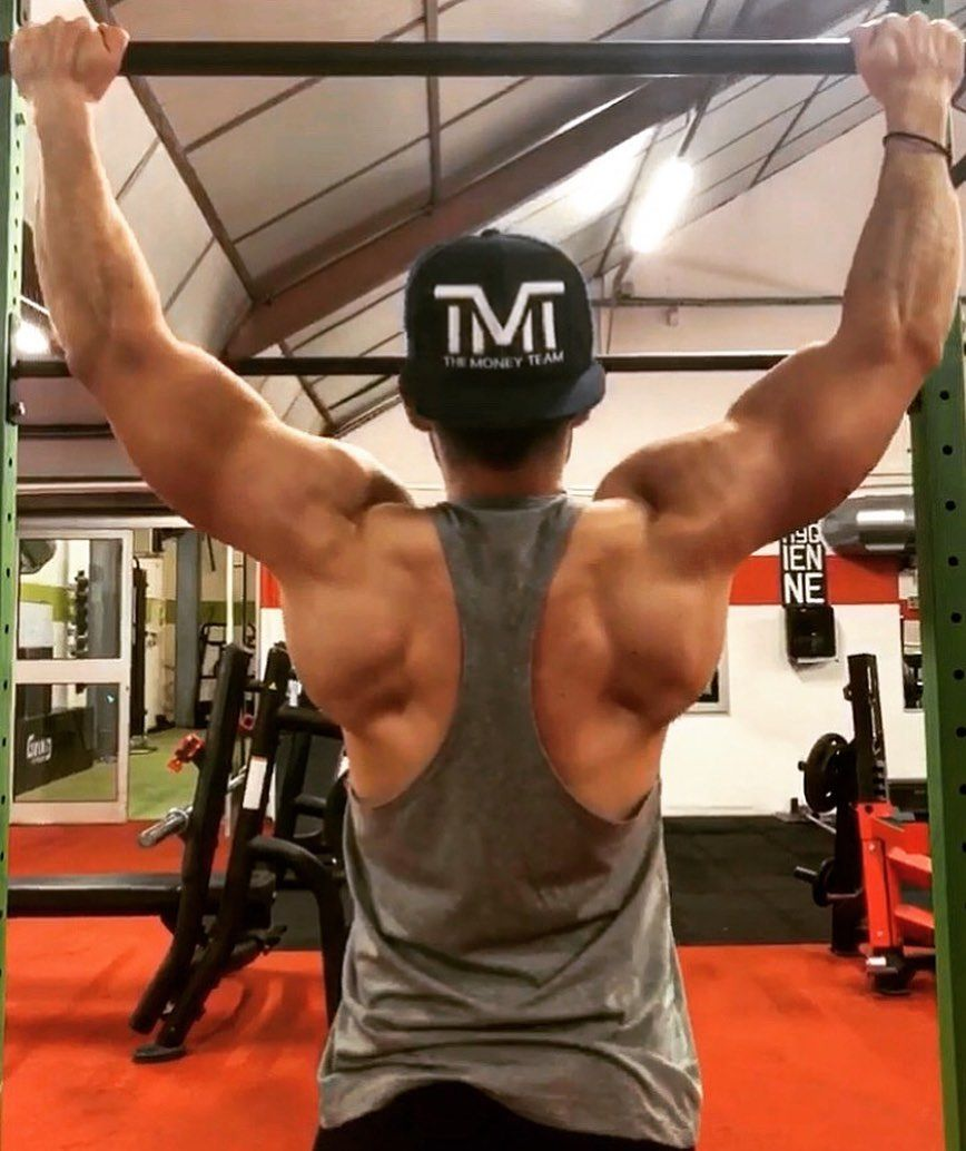 Road to V shape.. Wings upload 🔜💪🏼🔥 ▫️▫️▫️   #gym     #bodybuilding     #fitness     #fit     #train...