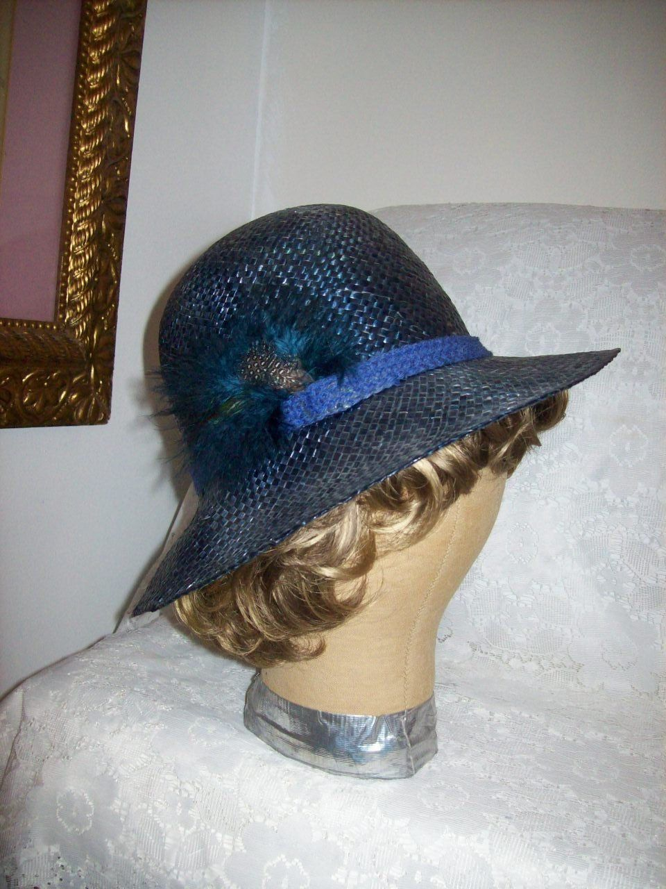 5d4def7128d Vintage Ladies Navy Blue Woven Straw Hat Sun Hat Feather Trim Shabby Chic  Only 5 USD
