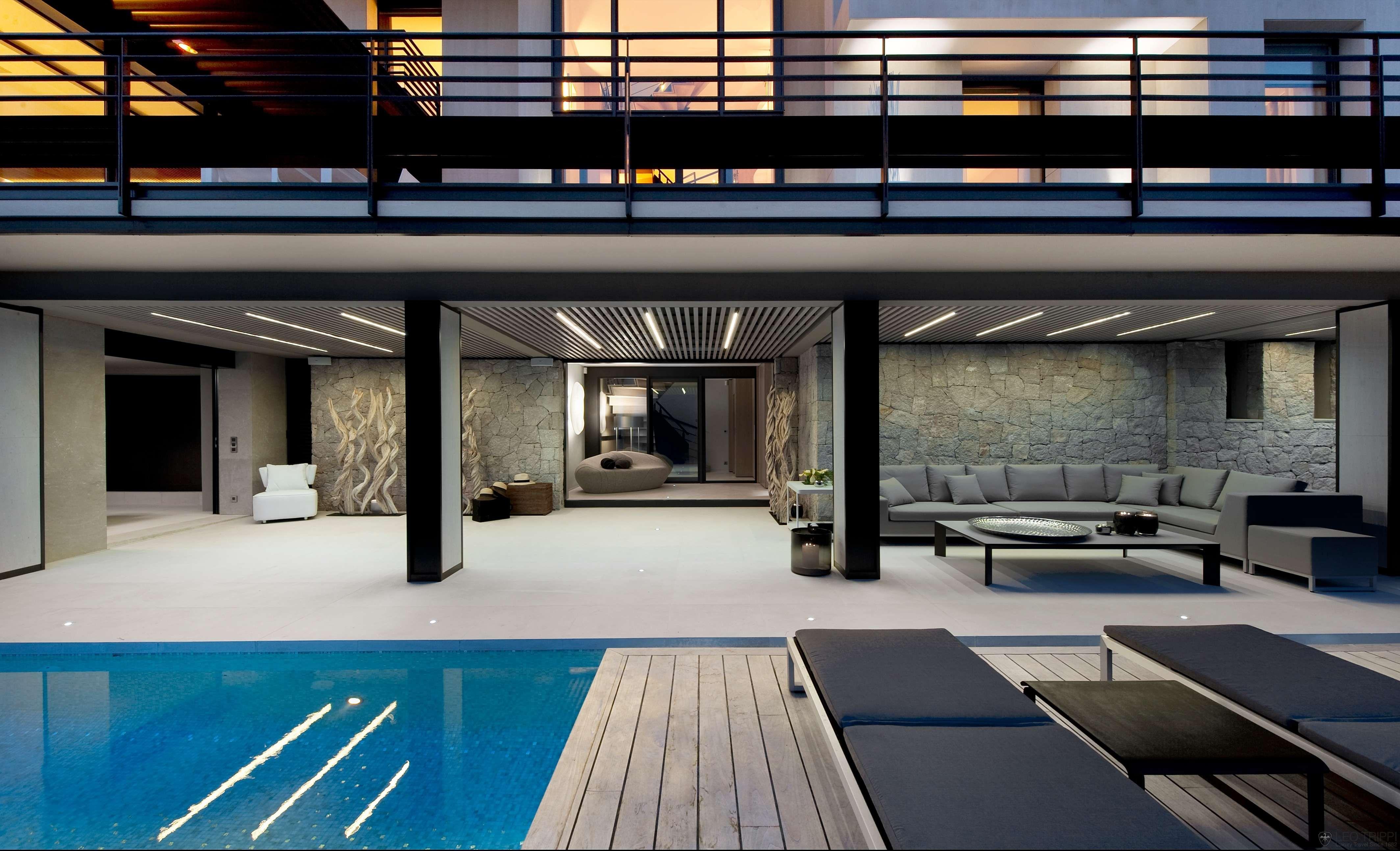 Villa Baie, Côte d\'Azur | Florida living, Backyard and Architecture