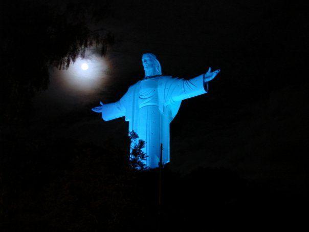 Cristo Concordia De Noche Cochabamba Bolivia Boa Noite Com Lua Estátua Papa João Paulo Ii