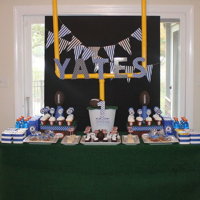 Amandau0027s Parties To Go: Football Party {Customer Party