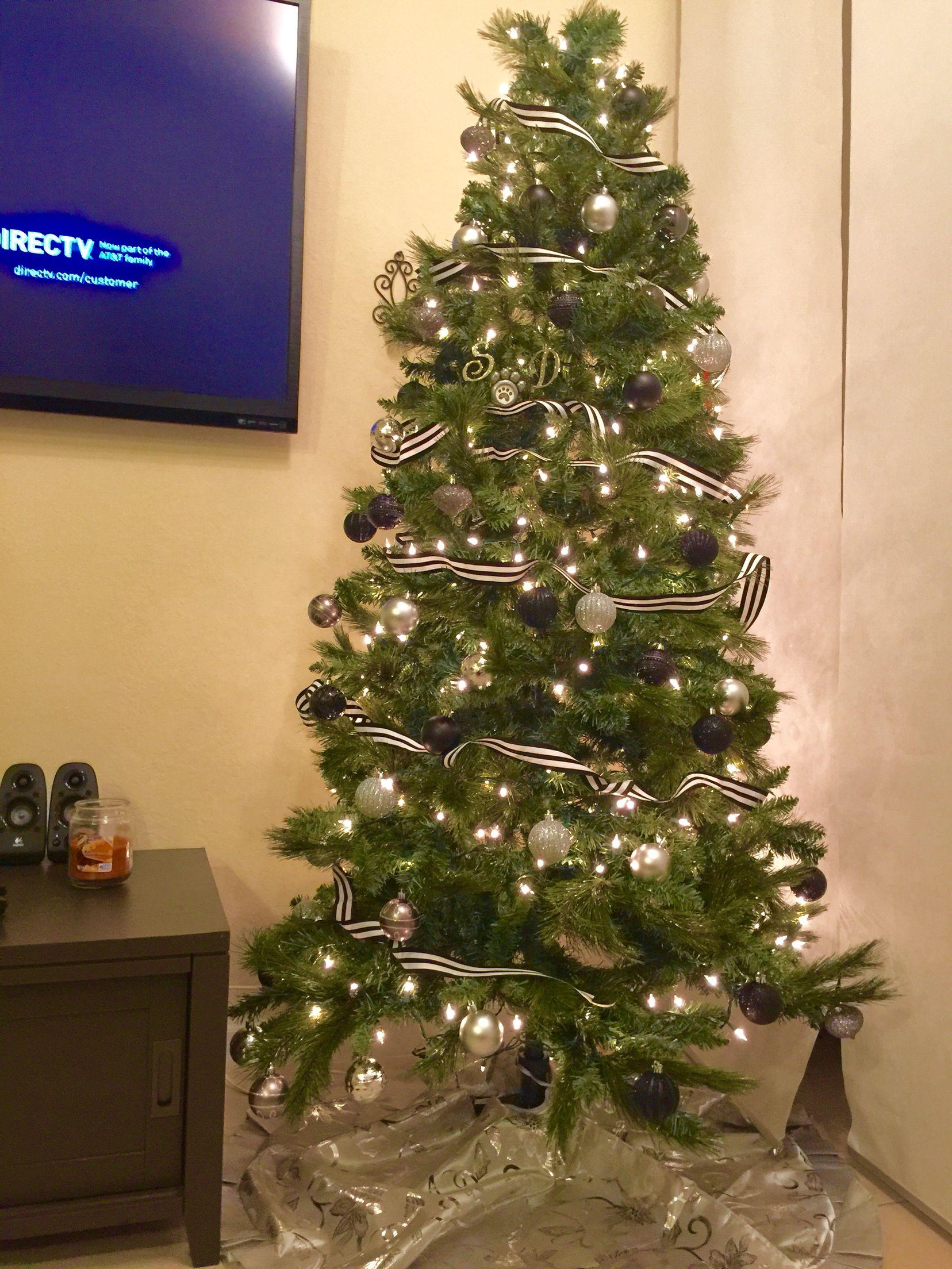christmas decorations near me