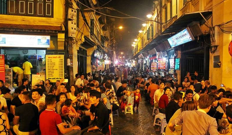 Ha Noi Peoples Committee Agreed To Allow Restaurants Bars And