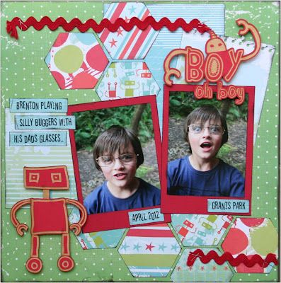 Homespun Scrapbooking: Playing with Hexagons