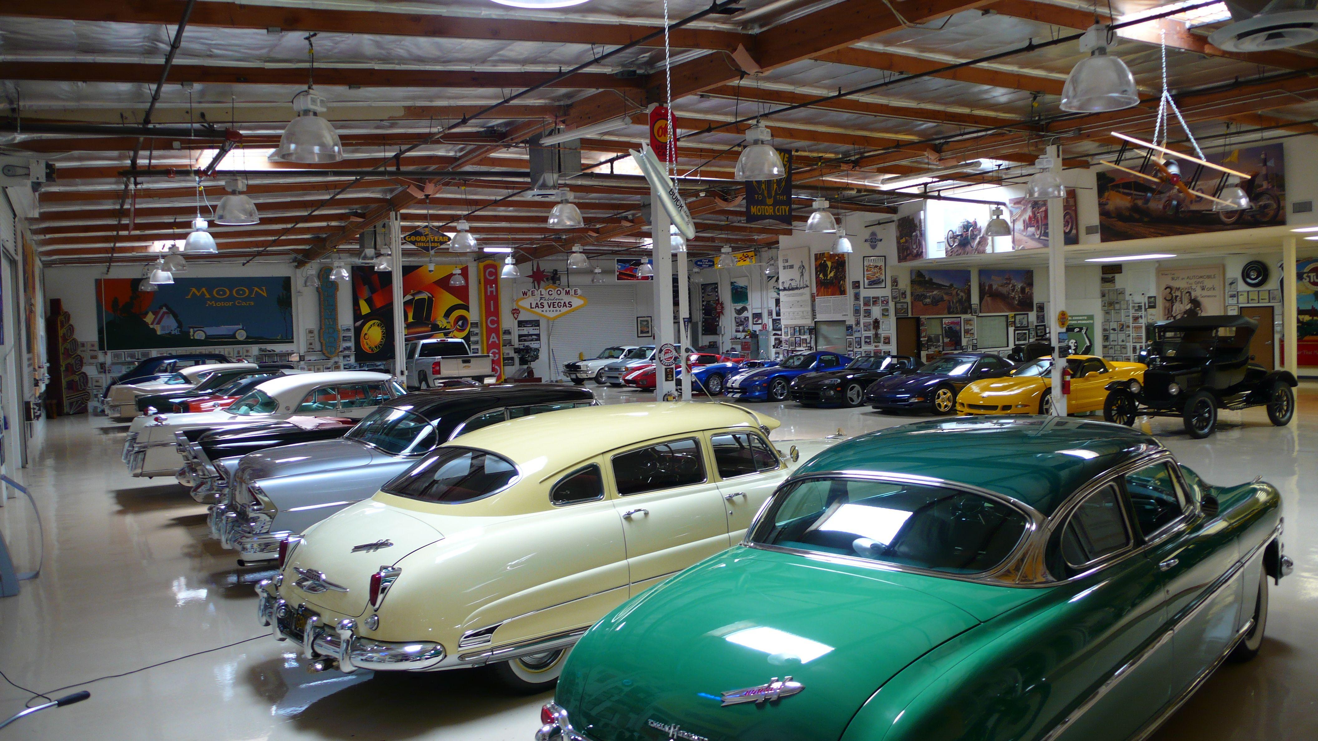 Jay lenos garage locations jay leno garage show elsavadorla for Location garage tours