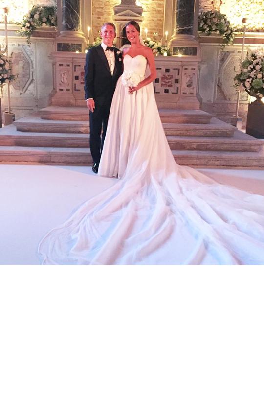 Ana Ivanovic Und Bastian Schweinsteiger Hochzeit People News People Celebrity Wedding Dresses Brides Most Beautiful Wedding Dresses Wedding Dresses