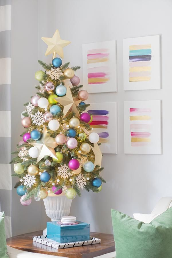 Deck Your Hall With These Gorgeous Diy Christmas Tree Ideas Small Christmas Trees Christmas Decor Trends Christmas Star Decorations