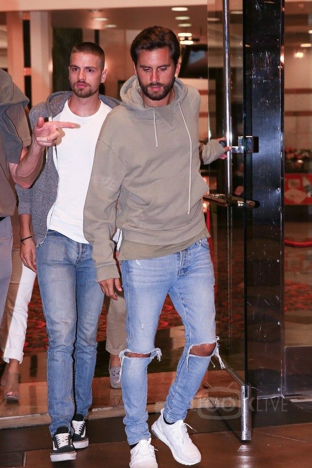 5addb9445a4 Scott Disick - Leaves a movie theater with friends on