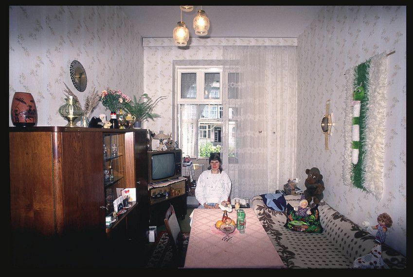 Wohnkultur zwischen hohen Wänden:  Ein Zimmer, in dem man sich wohlfühlt. | Foto: Karlheinz Jardner