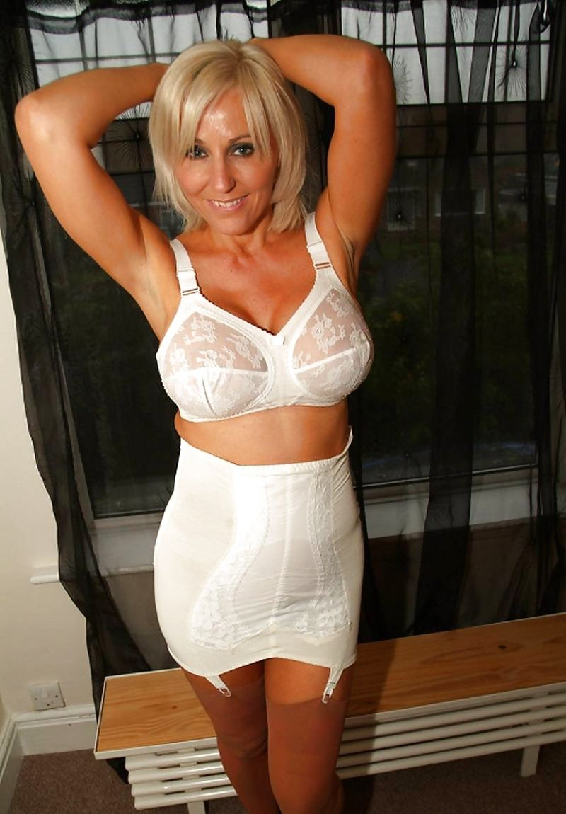 Mature Bra Galleries 59
