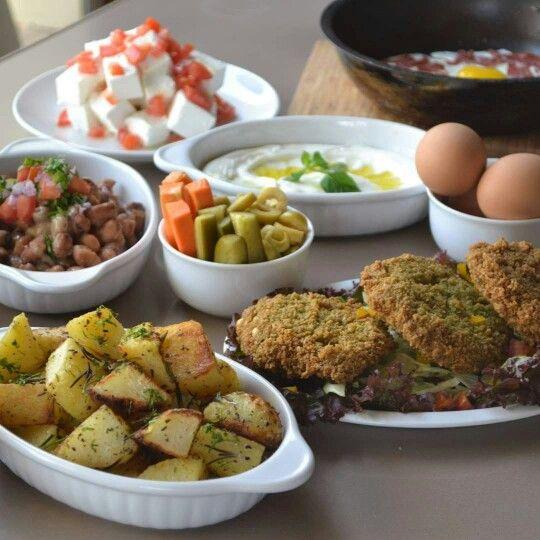 اتفضلوا فطار مصري وبالهنا والشفا Egyptian Food Pork And Beef Recipe Slow Cooker Dinner Healthy