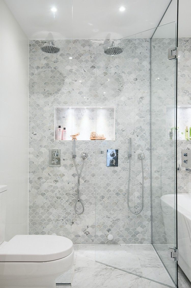 Marmor im Badezimmer modern inszenieren: 40+ Ideen für ein ...