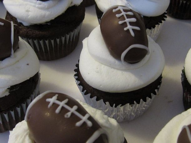 You Need These Super Bowl Finger Food Ideas Because Utensils Are So Old School -…,  #Bowl #…