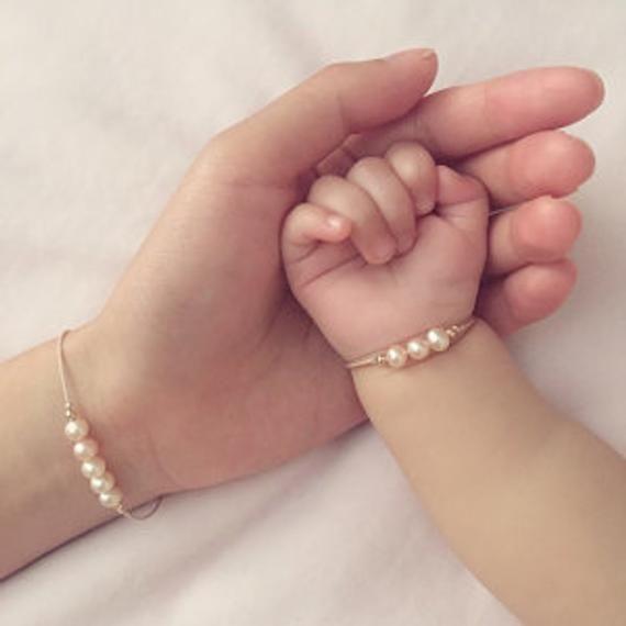 Mother Daughter Mermaid Pearl Bracelet Set