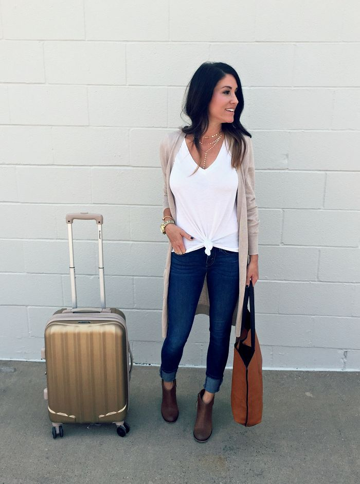 Travel Style - jeans, booties, cardigan