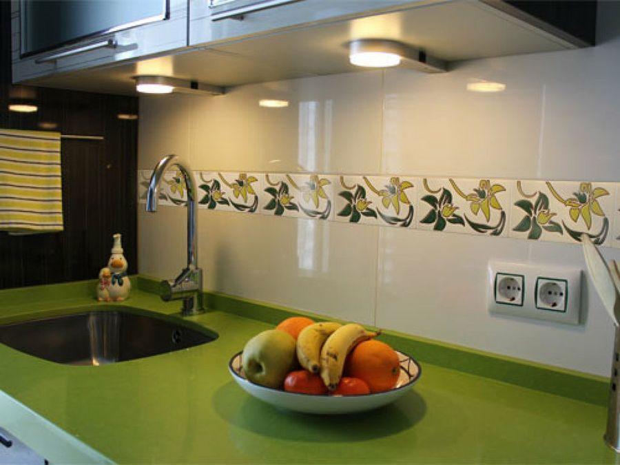 C mo renovar la cenefa de la cocina o el ba o proyecto for Cenefa para banos